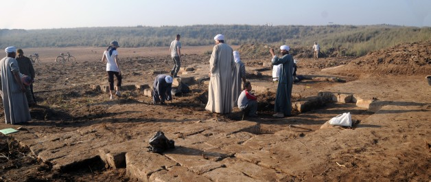 Excavating the Ptolemaic Temple © 2009 Veronica Morriss